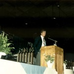 Jess Hostetler speaks during the 1990 hall of fame banquet at the War Memorial.