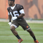 Andrew Hawkins warms up with the Browns.